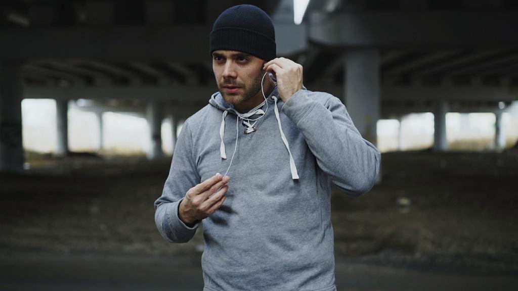Jakie słuchawki do biegania? A jakie słuchawki na siłownię?