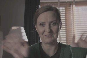 """""""Barwy szczęścia"""". Iza Kuna żegna się z serialem. Jej bohaterka ginie w wypadku [ZOBACZ]"""