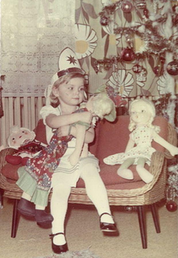Iza Miko, dziecko, mała, święta, mikołaj, choinka, dawniej, gwiazdy w dzieciństwie