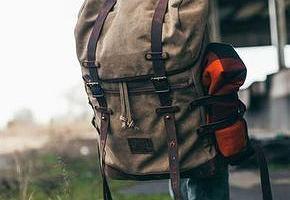 Merrell, Vans, Caterpillar: męskie plecaki w przecenach