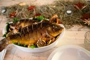 Karp z pieca z sosem chrzanowo-orzechowym