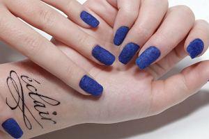 Pomys� na paznokcie: velvet manicure