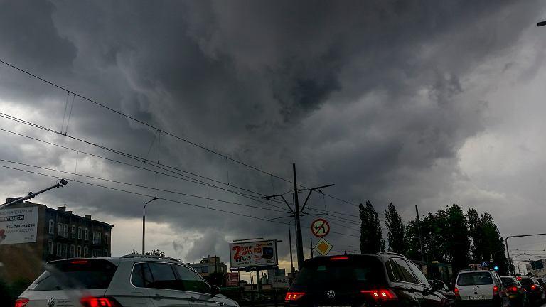 Pogoda na sobotę. Ciepło, ale na wschodzie burze (zdj. ilustracyjne)