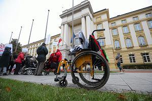 Pomoc dla opiekunów niepełnosprawnych dzieci i dorosłych [INFORMATOR]