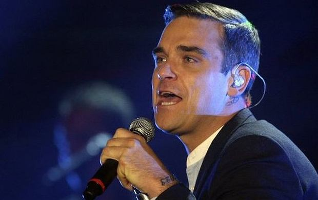 """Robbie Williams opublikował teledysk do utworu """"Shine My Shoes"""""""
