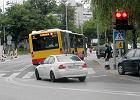 Autobusy je�d�� na czerwonym? Mierzyli czas na skrzy�owaniu