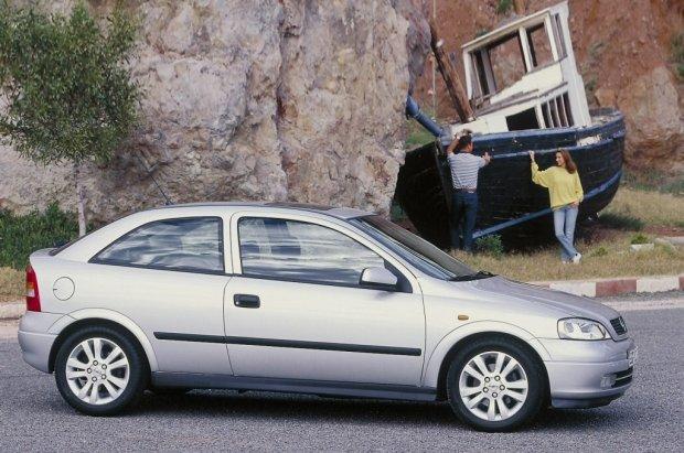 Opel Astra II 3d