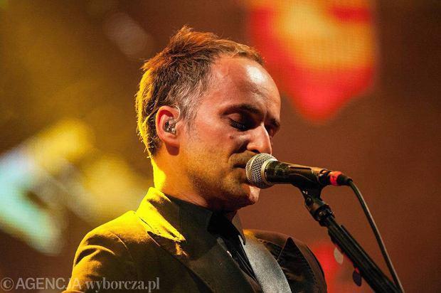 Były wokalista Myslovitz - Artur Rojek - obchodzi dzisiaj urodziny.