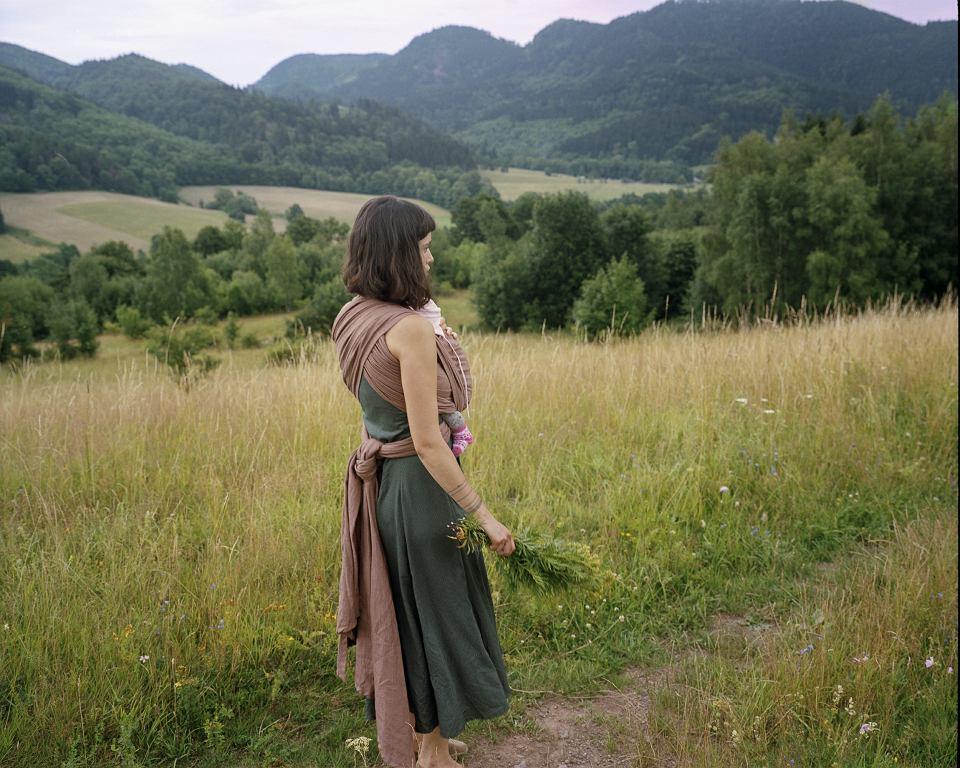 Samia z Mają, droga z Sokołowska na Stożek Mały (Góry Kamienne)