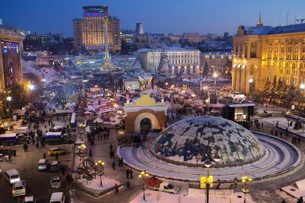 Niedawno na scenie kijowskiego EuroMajdanu grały dwa zespoły z Polski - Metka i The Stylacja. A teraz... w sylwestrową noc przez Kijów popłyną dźwięki gitary samego Neila Taylora!