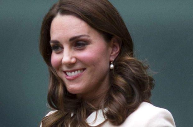 Księżna Kate po raz kolejny udowodniła, że jest mistrzynią ciążowych stylizacji. Zobaczcie jej ostatni look.