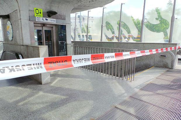 Metro ju� kursuje normalnie. Zn�w czu� by�o gaz. Czy to przez wymian� nawierzchni?