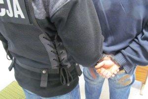 Wyrok dla pedagoga z �ar oskar�onego o pedofili�