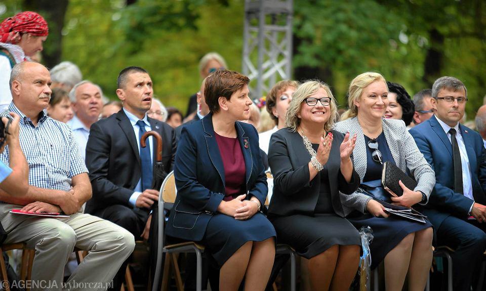 Beata Kempa, szefowa kancelarii prezesa rady ministrów i premier rządu PiS Beata Szydło podczas corocznej pielgrzymki kobiet i dziewczat do sanktuarium w Piekarach