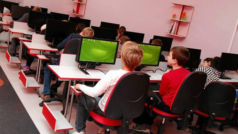 Lekcja informatyki w SP nr 17 na nowych komputerach
