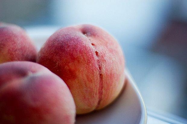 Brzoskwinia - owocowy przebój lata. Wartości odżywcze i właściwości lecznicze brzoskwini