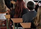 Egzamin gimnazjalny 2015. Przecieki pyta�, arkusze kr���ce w internecie? To plotki