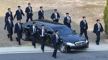 Ochrona auta Kim Dzong Una