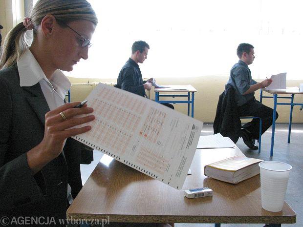 Matura. Uczniowie zdają maturę z fizyki