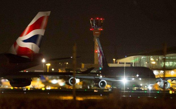 """Awari� systemu kontroli lot�w w Wielkiej Brytanii spowodowa� b��d komputerowy. """"Bez precedensu"""""""