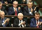 Sondaż TNS: Mniejsze poparcie dla PiS, ale partia Kaczyńskiego wciąż daleko przed innymi