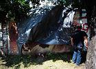 Zniszczony mural. By�a obraza uczu� religijnych?