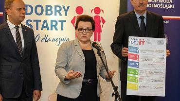 Anna Zalewska przyjechała do Wrocławia, aby promować pomysł PiS odnośnie wyprawki szkolnej