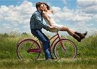 Jak być szczęśliwym? Psycholog: Trzeba wprowadzić pozytywne emocje do codzienności