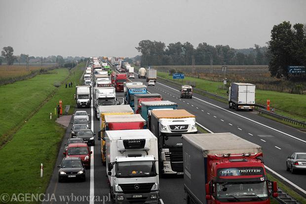 Wciąż rośnie korek na autostradzie A4 w stronę Wrocławia. Miał ponad 15 kilometrów!