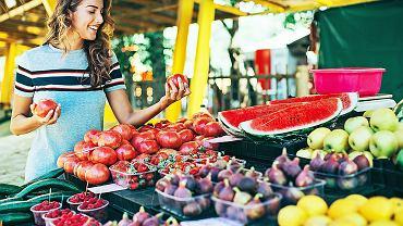 Warto naszą dietą wzbogacić w warzywa i owoce, które ochronią nas przed rakiem