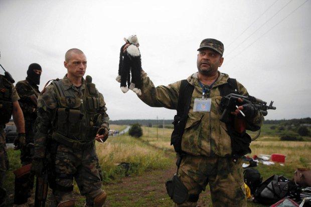 """""""Nie jest takim potworem, jakim zobaczy� go �wiat"""". Dziennikarka o s�ynnej fotografii z Ukrainy"""