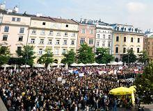 Tysi�ce os�b na czarnych protestach partii Razem. W ca�ej Polsce manifestacje przeciw zaostrzaniu prawa aborcyjnego