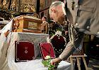 Szczątki 8 ofiar katastrofy smoleńskiej w trumnie gen. Kwiatkowskiego. Mamy potwierdzenie