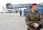 O�miolatek od dziesi�ciu dni zamkni�ty na lotnisku w Pary�u