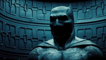 "Po pirackiej wersji zwiastuna ""Batman v Superman"" producenci publikuj� orygina�"