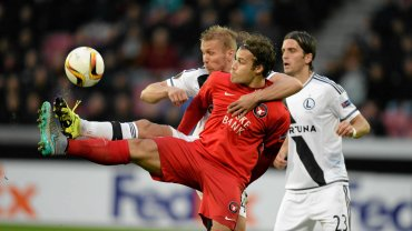 Legia wygra�a z mistrzem Danii i wci�� liczy si� w walce o awans w Lidze Europy