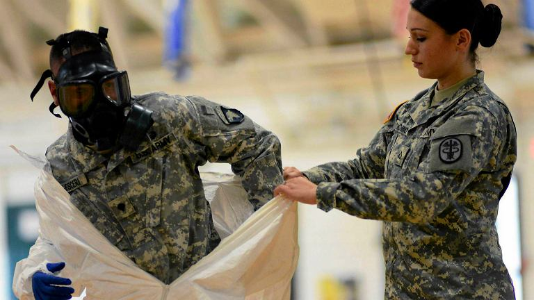 Amerykańska armia przygotowuje się na wypadek konieczności walki z ebolą