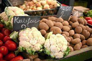 Drożyzna na sklepowych półkach. Żywność podrożała ponad 5 proc. i pcha inflację w górę