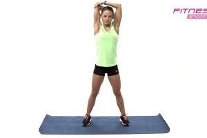 Trening z Katarzyną Dziurską. Jak się rozciągnąć po ćwiczeniach?