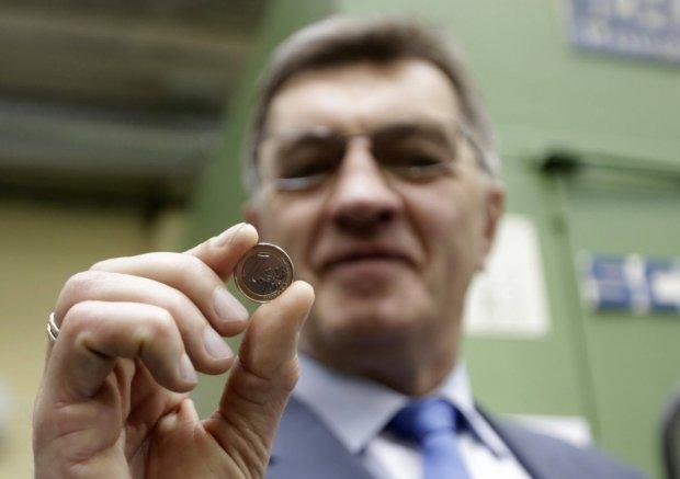 Litwa ju� raz nie spe�ni�a kryteri�w wej�cia do strefy euro. Teraz nie przepu�ci okazji