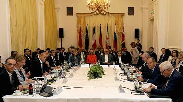 6.07.2018, Wiedeń, delegaci podczas spotkania szefów dyplomacji Unii Europejskiej, Iranu, Rosji i Chin.
