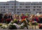 Mieszkańcy Oslo składają kwiaty, by upamiętnić ofiary tragedii