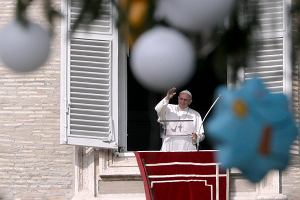 """Papież Franciszek chce zmienić treść modlitwy """"Ojcze nasz"""""""