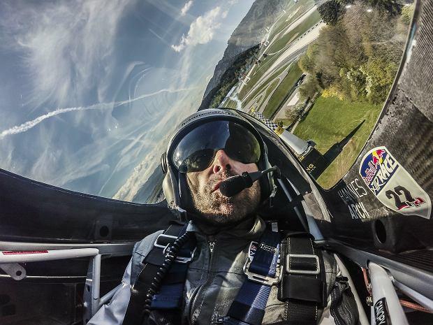 Zdjęcie numer 3 w galerii - Nie żyje Hannes Arch. Gwiazdor sportów ekstremalnych zginął w wypadku helikoptera w Alpach