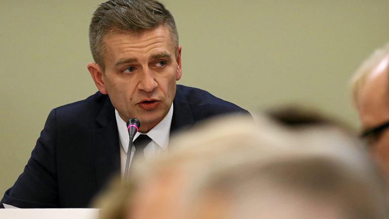 Przewodniczący Komisji Bartosz Arłukowicz podczas posiedzenia Sejmowej Komisji Zdrowia, 3 stycznia 2017.