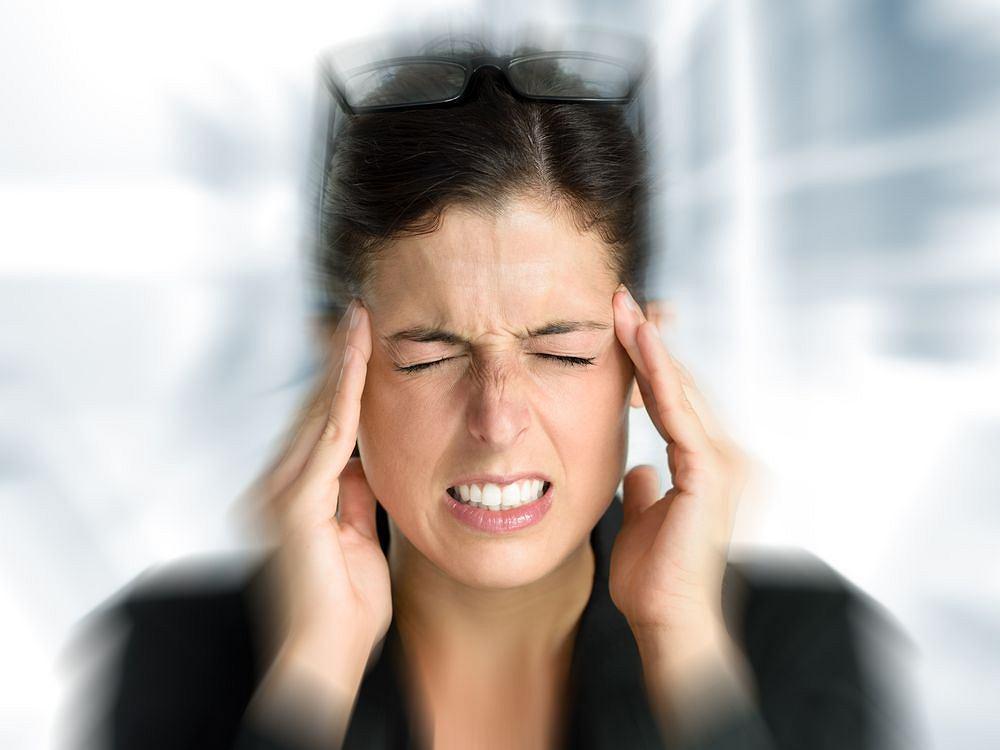 Ból głowy może mieć różne przyczyny. Ból głowy z tyłu najczęściej powodowany jest nadciśnieniem.