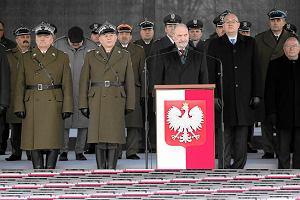 Macierewicz symbolicznie: Siłę polskiej armii stanowi wiara narodu i krzyż Jana Pawła