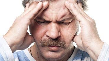 Według najnowszego odkrycia migrena może być skutkiem uszkodzonych osłonek komórek nerwowych.