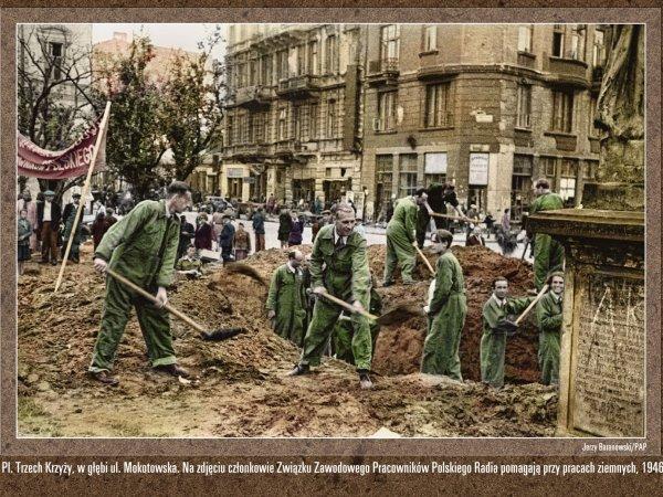 Powojenne zdjęcia Warszawy w kolorze! Zobacz, jak wyglądało życie warszawiaków