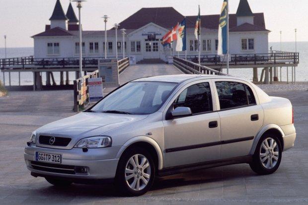 Opel Astra II 4d